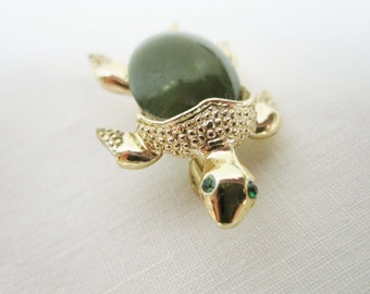Green Good Luck Turtle From 'Gerry's Classic Costume Jewelry - Green Thermoset Shell, Goldtone Body  - Pin