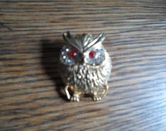 Vintage Gold Tone Red Eyes Chubby little Owl Brooch Rhinestone Pin 1960s Bird