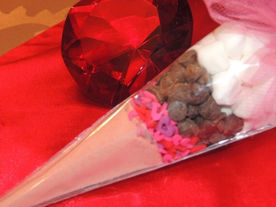 Valentine's Day - Pink Hot Chocolate Cocoa Cone Favors - Set of 10