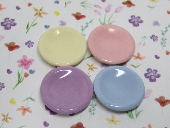 dollhouse miniature plates 17mm pastel 4pcs mixed 1:18 scale three quarters will fit 1/24 scale half inch ceramic kawaii
