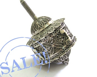 SALE 10% OFF - Sterling Silver Artisan Filigree Hanukkah Dreidel Special Box Dreidel Collectors Item - Judaica - Free Shipping ID948