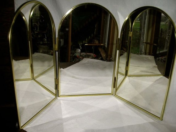 Vintage 3 Way Mirror Dresser Top Folding 16 In Tall 30 By
