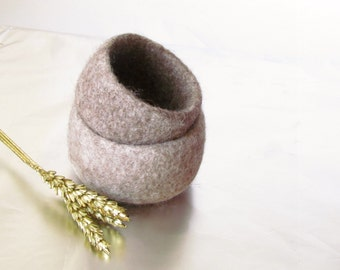Ring dish - Beige engagement gift - Jewelry bowl - eco friendly wedding favor  - air plant holder - desk organizer - felted bowls