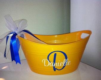 Personalized Easter Bucket/Favor Bucket/Gift Bucket/Halloween Bucket/Candy Bucket