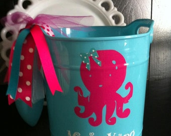 Personalized Sand Bucket With Shovel- Beach Pail - Gift Pail - Beach Bucket - Summer Fun - Pool Accessories - Shell Holder - Beach Wedding