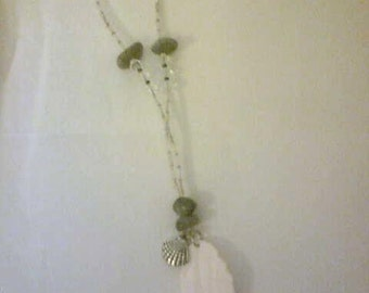 Long Necklace in shell and glass