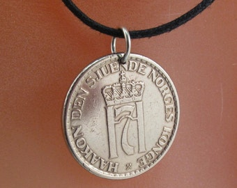 Norwegian COIN  NECKLACE .  Norway jewelry pendant.  krone  . lion. Norge.  Choose Year . Cecile Stewart partsforyou  No.001301