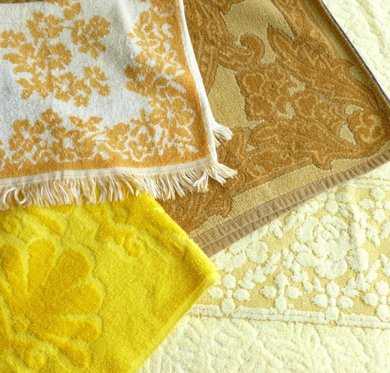 Reproduction Vintage Bath Towels: Yellow Bath Towels Lot Vintage Bathroom Decor All Cotton Gold