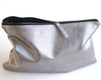 SALE Metallic Leather Clutch. Metallic Leather Bag. Leather Clutch Purse. Leather Purse. Zipper Pouch. Zipper Purse. Bridesmaid Clutch Purse