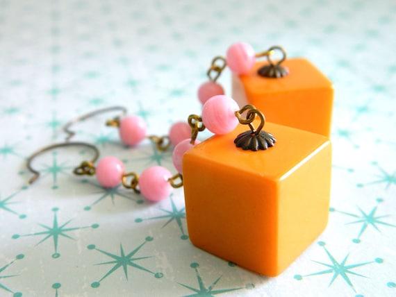 Retro Bakelite Earrings, Pink Vintage Earrings, Mid Century Earrings, Retro Pink Earrings, Mid Century Jewelry, GoGo Earrings, Mad Men