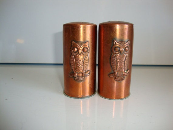 Salt and pepper shakers copper household owl by lotzostuff on etsy - Owl salt and pepper grinders ...