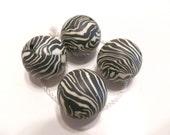 10 Beautiful Handmade Fimo Clay White Black Zebra Animal Print   Round Beads 20mm