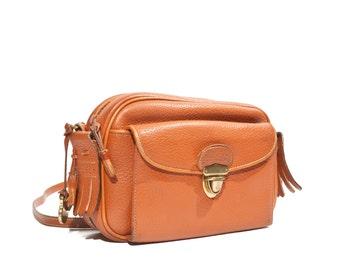 Vintage Dooney & Bourke All Weather Leather Equestrian Handbag British Tan Kilty Bag