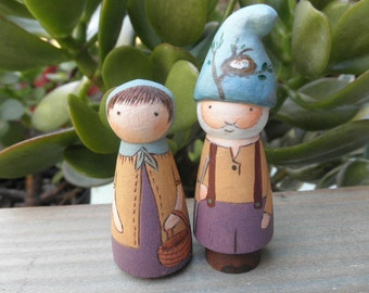 PEG DOLLS Wooden Toy Set Hand Painted Gnome Couple No. 3