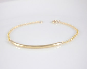Gold curve bracelet