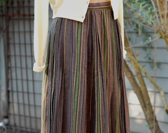 brown wool/orlon pleated skirt