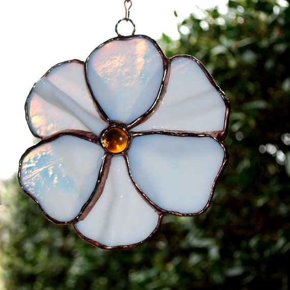 White Flower Stained Glass Suncatcher by aHouseofShards on ...