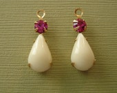 4pcs - Vintage Opaque Ivory Acrylic Pear Shaped Stone and Round Fuchsia Rhinestone Brass Prong Settings.