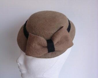 Mini hat fascinator fur felt  vintage style  1930' 1940' 1950'