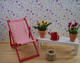miniature lawn chair in 1:12 scale