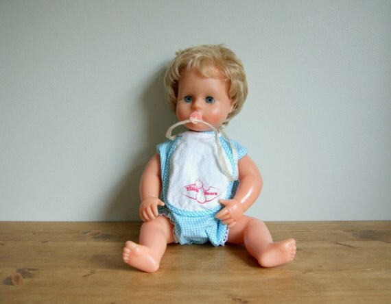 Tiny tears, vintage doll, made in britain, 1965.