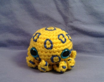 Crochet Blue Ringed Octopus (Made to order)
