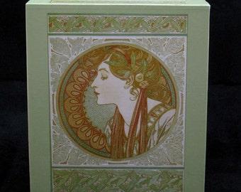 Tissue Box Cover Laurel
