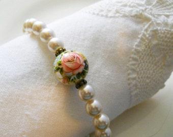 Spring Wedding Jewelry Garden Wedding Bracelet Pink Pearl Bracelet Romantic Bridesmaids Jewelry Pink Bridesmaids Bracelet Spring Jewelry