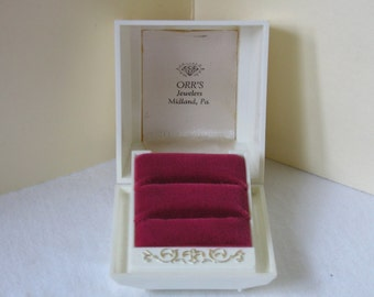 Lovely Fleur de Lis Ring Box Wedding Set display presentation Red velvet Excellent Vintage Philadelphia