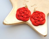 Red earrings, knot earrings, flower earrings, red and gold earrings, gold plated earrings, knotted earrings, macrame earrings, spring trends