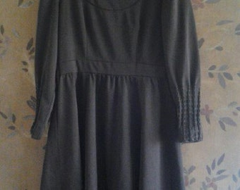 1970s brown dress with decorative sleeves
