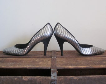 Stuart Weitzman / Stuart Weitzman 8 / 80s Shoes / Womens Shoes / Silver Heels / Designer Shoes / Silver Sequin / Glam / Studio 54 / Disco
