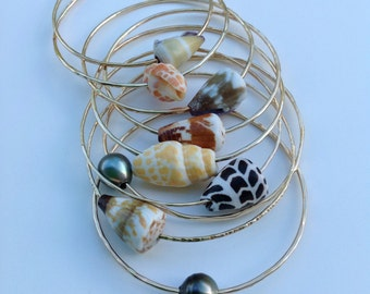 Gold Shell bangle