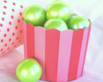 PiNk with HoT PiNk STRiPe-LARGENut/Candy/Baking Cups--25ct--Parties--cupcakes-gumballs-snacks