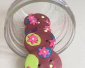 Brown Paisley Buttons - BONUS FREE tye dye buttons