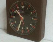 Chocolate brown philips HF Quartz seventies wallmount clock
