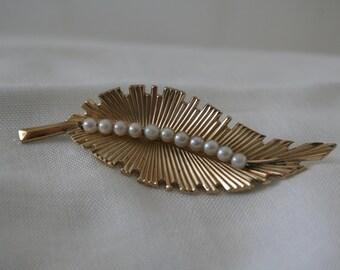 Vintage Gold Filled Leaf Brooch Signed IPS