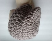 Taupe slouchy hat with chunky yarn, crochet beret, soft and squishy
