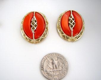 Vintage usigned goldtone Orange thermoset  earrings