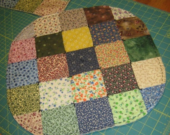 "PATCHWork Lg VARIETY Scrappy  18"" Round Double-Sided Table Mat Quilted Runner Candle Country FolkArt Primitive"