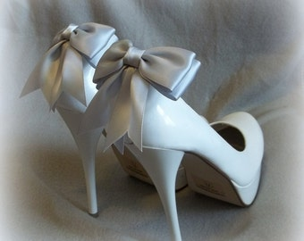Bow Shoe Clips, Bridal Shoe Clips, Wedding Shoe Clips, Shoe Clips, Satin Shoe Clips, Shoe Clips for Wedding Shoes, MANY COLORS AVAILABLE