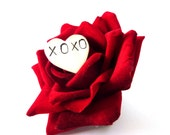 Hugs and Kisses Valentines Heart Brooch - Personalised Brooch