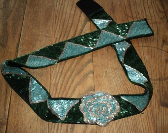 VINTAGE BEADED BELT, Mosaic Flower in Aqua Blue and Silver Beads with a triangular beaded motif in Very Good Condition