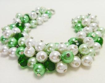 Pearl Bracelet, Green and White Cluster Bracelet, Chunky Pearl Bracelet, Bridal Jewelry, Wedding Bracelet, Bridesmaids gift, Bridal Jewelry