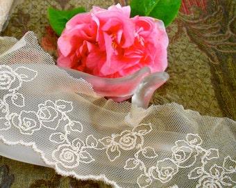 Soft Beige Floral Trim
