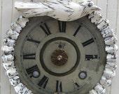 "Vintage Clock Shabby Chippy White Bird Clock Home Decor Decorative Ornament Nordic Decor Repurposed Salvage Vintage Jewelry, 7 3/4"" Diameter"