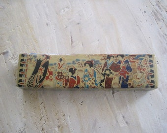 Nineteenth century Asian opium pillow made of Porcelain and hand painted