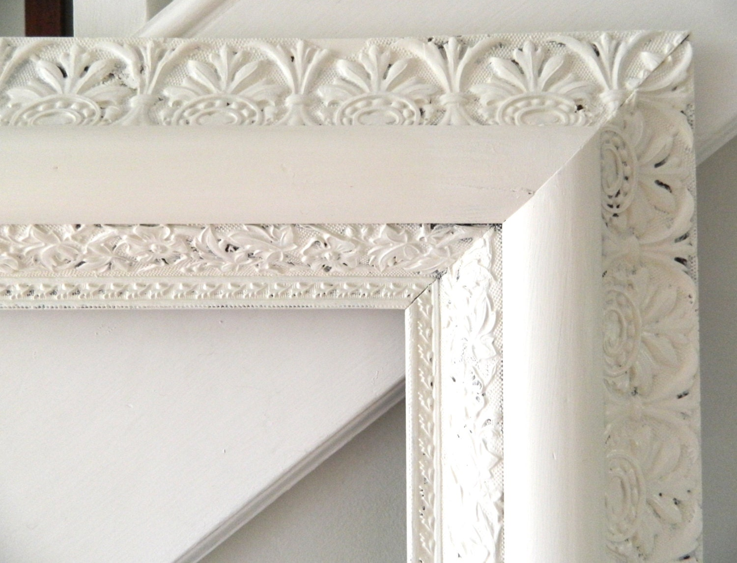Vintage white frame shabby chic wood large ornate - Antique white picture frames ...