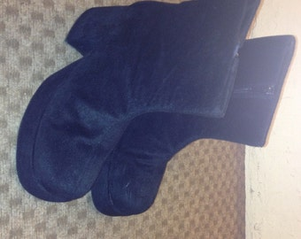 Mens 80s black costume disco platforms boots.