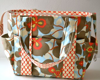 Ultimate Diaper Bag with Zipper Closure in Amy Butler Fabric